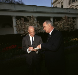 Pres. Lyndon B. Johnson meeting with columnist Drew Pearson